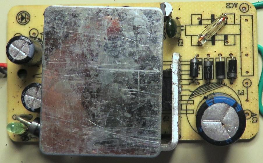 老外牛人工程师拆解几款12V AC电源适配器:5mm火花隙能抗15kV?!(图文)