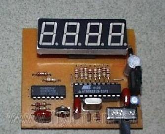 电子制作者设计的AVR数字显示频率表
