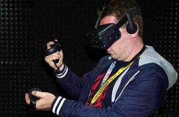 传感器技术在虚拟现实头显上的应用