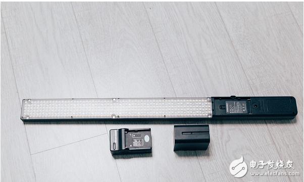棒状LED补光灯与传统LED补光灯,买那个更合适?