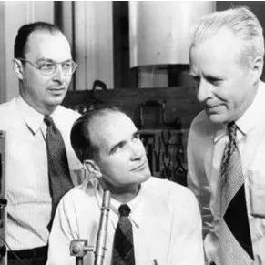 晶体管发明与诞生及发展过程详细