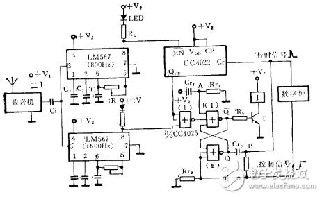 由锁相环LM567构成的校时电路