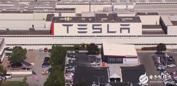 特斯拉铺设太阳能电池板 可持续能源的转变迈上新台...