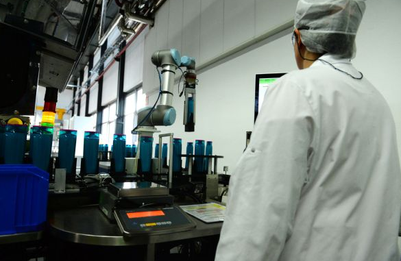 企业引进机器人对整体员工的影响