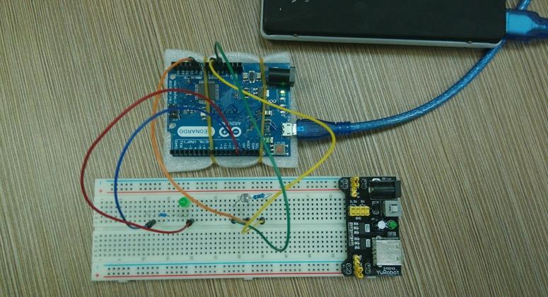 Arduino光敏电阻调节呼吸灯