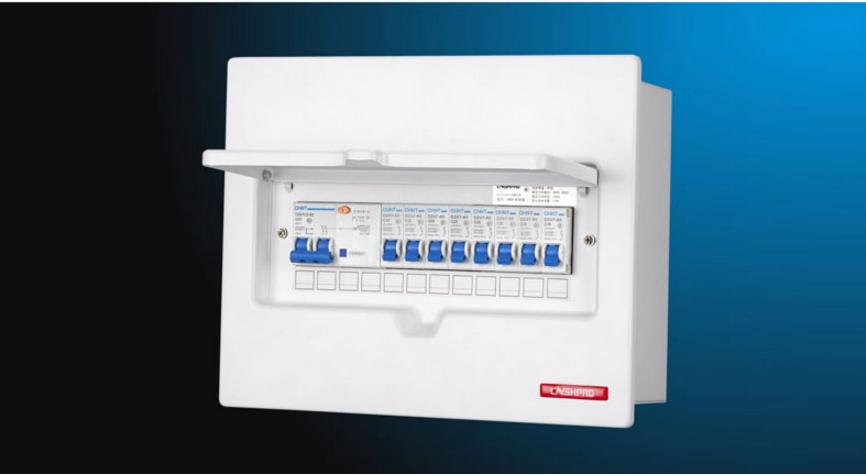 7、DZ47系列小型空气开关只要适用于交流50HZ/60HZ,额定工作电压为240V/415V及以下,额定电流至60A的电路中,该空气开关主要用于现代建筑物的电气线路及设备的过载、短路保护。 8、SCML系列空气开关适用于交流50HZ、60HZ、500V及以下的电路中做不频繁转换盒电动机不频繁起动之用。 9、DW10系列万能式空气开关适用于交流50HZ、额定电压至440V的电气线路中,做过载、短路、失压保护及正常条件下的不频繁转换之用。 10、DW15系列万能式空气开关适用于交流50HZ、额定电压至44