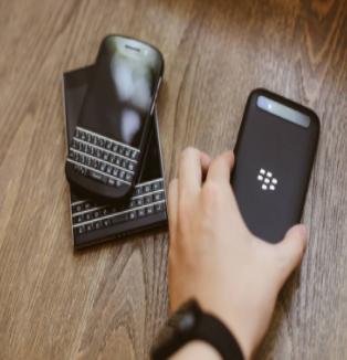 又一个手机巨头即将死亡 黑莓手机将成历史