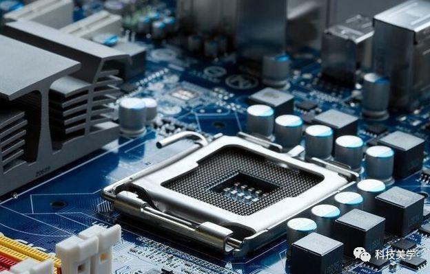 Intel强调,今年末发布的新款芯片将完全对漏洞免疫、不受威胁