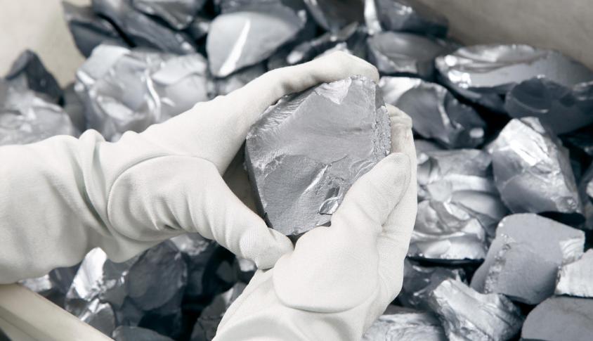 多晶硅生产中对人体危害有多大_多晶硅得危害大吗