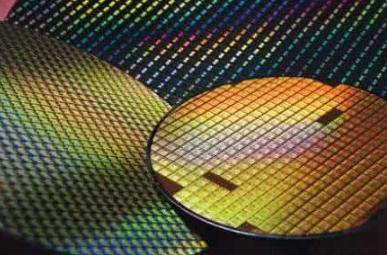 硅晶圆缺货潮疯狂蔓延 国内半导体厂商将如何应对?