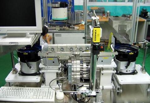 机器人视觉系统在卷烟厂流水线的应用