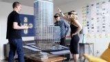 微软的合作伙伴Trimble正在尝试将HoloLens与安全帽结合在一起