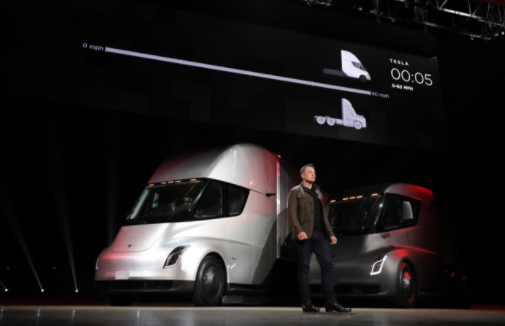 特斯拉计划为首批Semi电动半挂卡车客户建造充电...