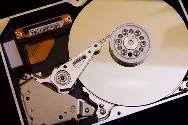 介绍了关于RAID5系统发生数据丢失的常见问题