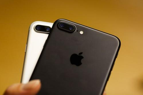 """iPhone7""""信号门"""":电路板故障致手机""""无服务"""""""