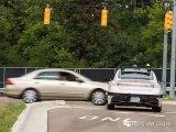 如何让自动驾驶车辆看得更多