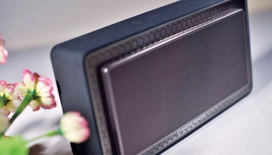 英国经典音响品牌Bowers&Wilkins蓝牙扬声器T7