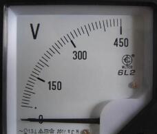 电压表的使用方法_数字电压表的使用方法图解