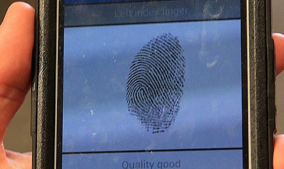 英国警方试用指纹传感器识别嫌疑人