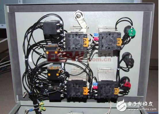 温度控制器电路图大全(六款温度控制器电路图设计原理图详解)