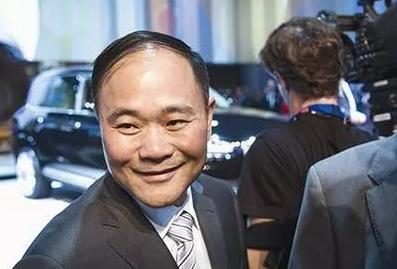 吉利90亿美元拿下奔驰母公司近10%股份 李书福回应3大焦点问题