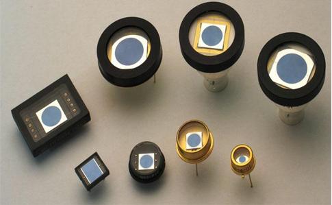光敏二极管可以发光吗_光敏二极管与发光二极管有什...