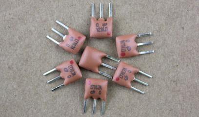 16M晶振要配多大电容_晶振为什么要配电容