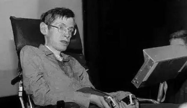 """揭秘霍金的智能化""""轮椅""""有多厉害"""