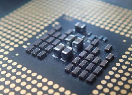 中央处理器由什么组成_中央处理器分哪几种