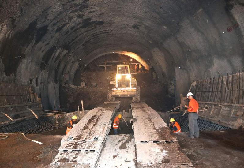 UWB隧道人员实时定位系统