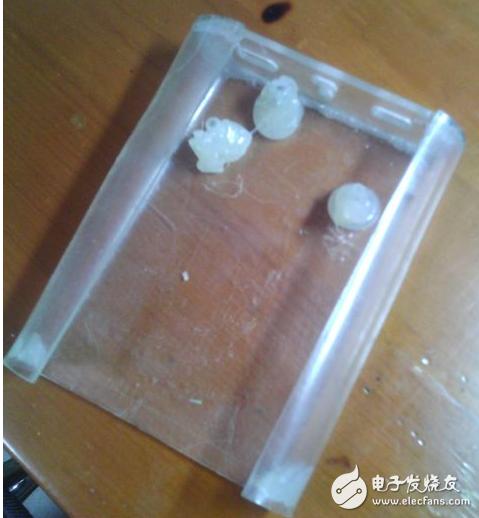 利用闲置手机电池制作充电宝