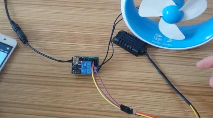 自制物联网智能设备-远程监控温湿度并自动控制小风...