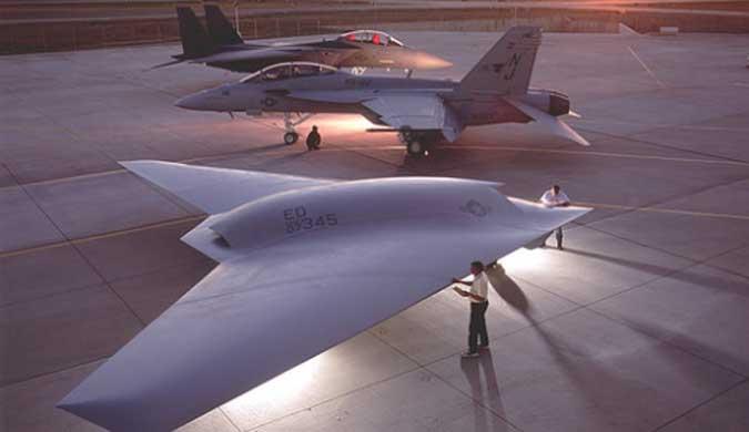 侦察监视:中国隐形无人战机利剑出鞘