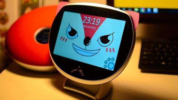 小西机器人:孩子心中的哆啦A梦