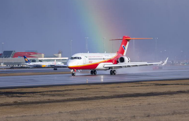国产喷气客机ARJ21-700飞机完成大侧风试飞