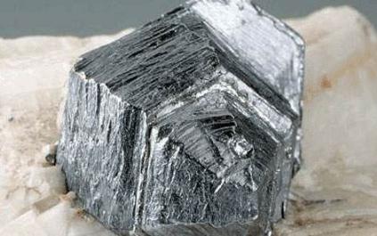 锂硫电池难题有望解决了 钼或可影响钴镍价格