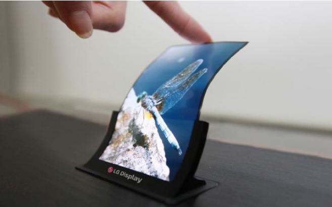 Mate RS保时捷版先用上LG的OLED面板