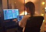 19岁的高颜值程序员,教你如何像她一样自学编程