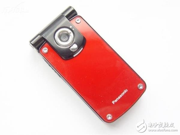 手机摄像头发展史好似玩一局绝地求生?