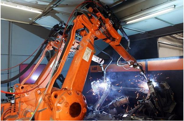 河南省工信委 到2020年河南将有3万工业机器人上岗