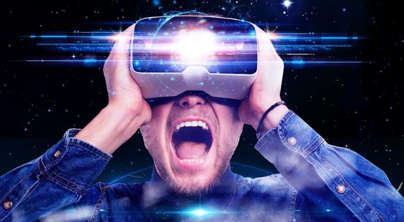 超乎科技届预想:VR比AR更受欢迎