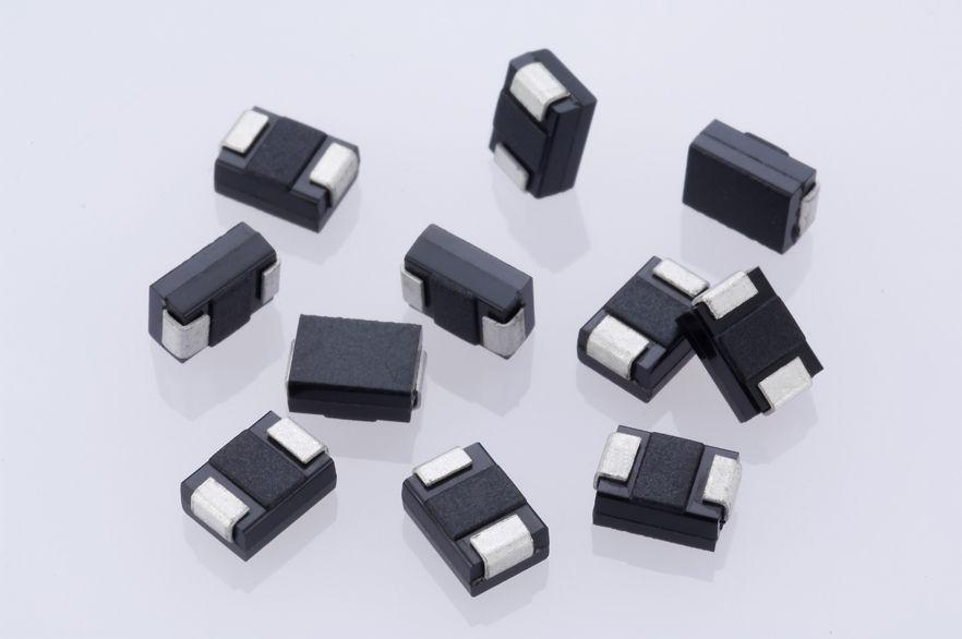 Diodes推出最先進的數據傳輸線瞬態電壓抑制器(TVS)DESD3V3Z1BCSF-7