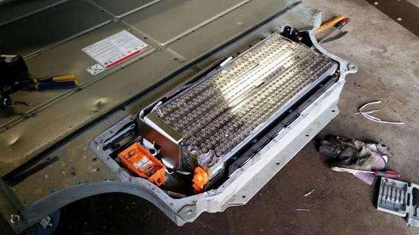 松下称可能将在中国生产供特斯拉使用的电池