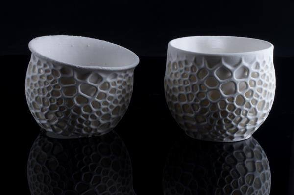 Nervous System使用3D打印出陶瓷杯子