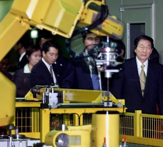 日本自动化设备厂 Keyence与Fanuc两极...