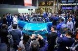 定义汽车新生活——全球首创49英寸共享全面屏