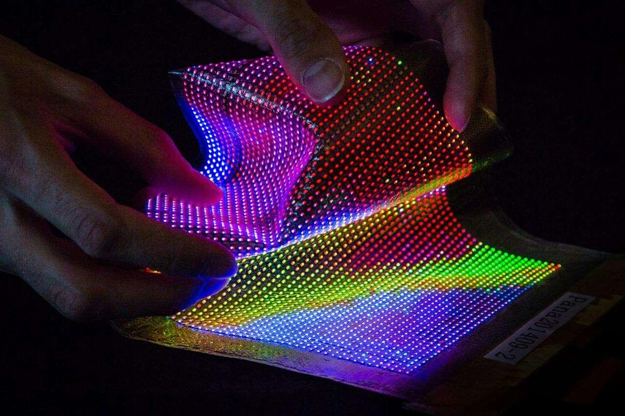 苹果公司将首次自主设计并生产MicroLED显示...