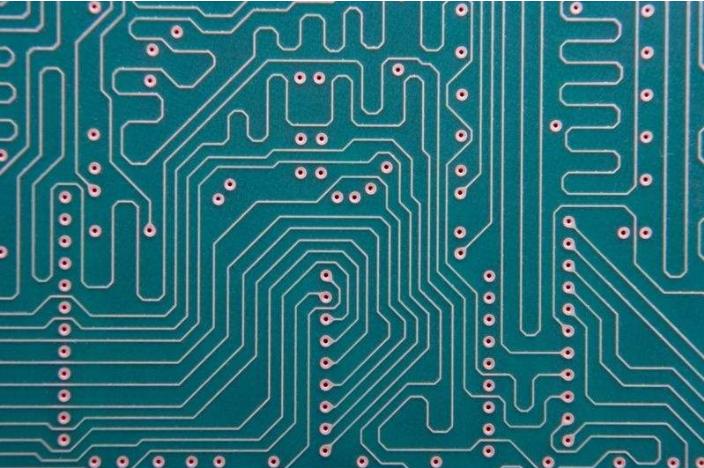 电路板孔可焊性,翘曲和电路板的设计引起的焊接质量问题的介绍