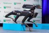 波士顿动力的SpotMini机器人正在进行生产,...
