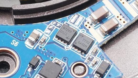 绿联无线充电器怎么样_绿联无线充电器拆解详情